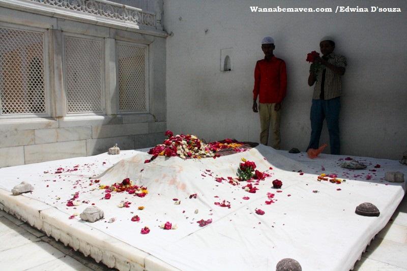 Aurangzebs tomb aurangabad